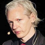 julian_assange_nachtaufnahme