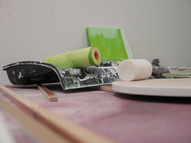 Geruch aus Tapeten entfernen