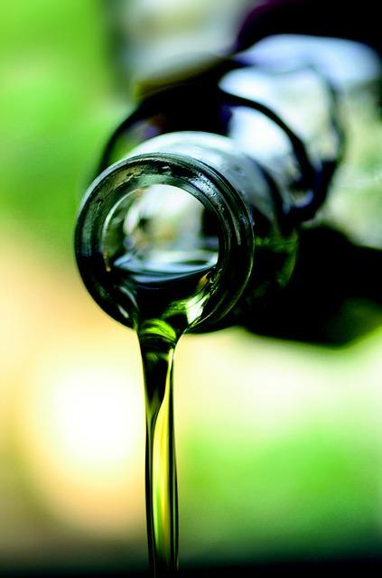 Harzflecken mit Olivenöl entfernen