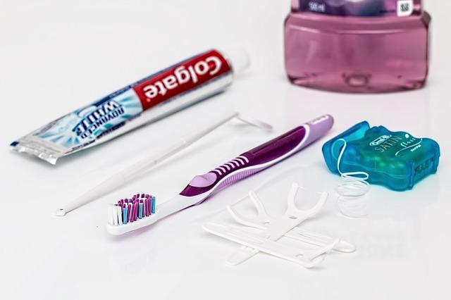 Kalk mit Zahnpasta entfernen