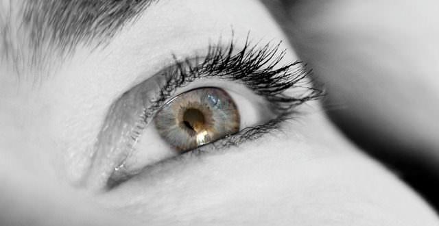 Ursachen und Behandlung bei Augenflimmern