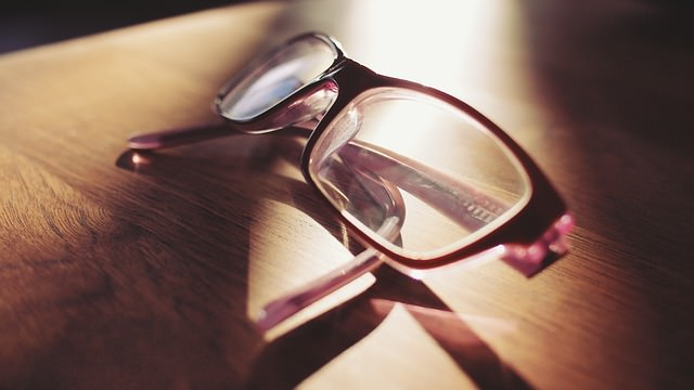 Augenflimmern durch falsche Brillengläserstärke