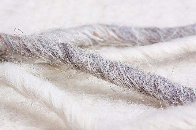 Filzen mit Schafswolle