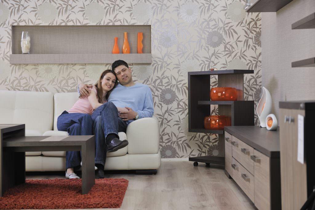 Farbakzente im Wohnzimmer setzen